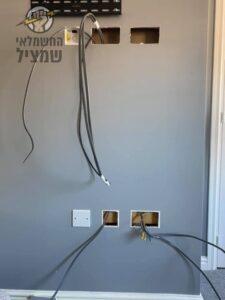 הכנת שקעי חשמל, שקעי רשת ושקעי כבלים לפני התקנת טלוויזיה LCD