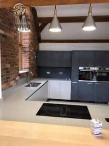 התקנת תאורה נופלת במטבח בעיצוב מושלם