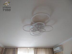 התקנת גוף תאורה לסלון בית בראשון לציון בשיכוני המזרח